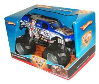 "Hot Wheels Monster Jam 124 Scale Die Cast Official Monster Truck 2008 Series   BOUNTY HUNTER (Checker Schucks Kragen Auto Parts) with Monster Tires, Working Suspension and 4 Wheel Steering (Dimension 7"" L x 5 1/2"" W x 4 1/2"" H) Toys &"