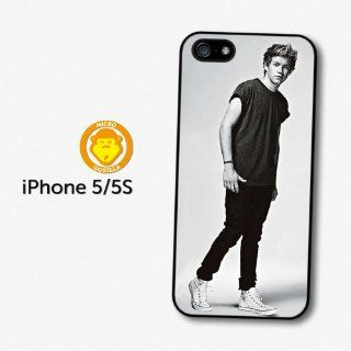 Niall Horan Black & White Full Body Shot One Direction 1D Directioner case for iPhone 5 5S A669  Players & Accessories