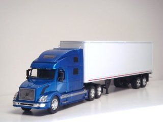 132 Volvo VN 780 Tractor Trailer G scale Toy truck (Blue) Toys & Games