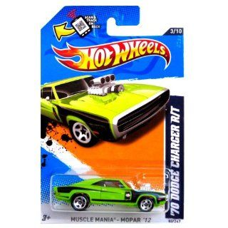 Hot Wheels   '70 Dodge Charger R/T (Green)   Muscle Mania, Mopar 12   3/10 ~ 83/247 [Scale 164] Toys & Games