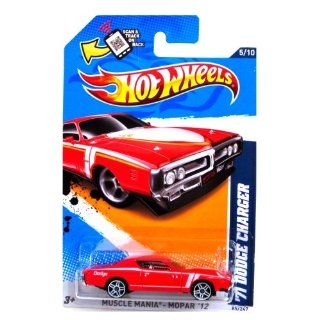 Hot Wheels   '71 Dodge Charger (Red)   Muscle Mania, Mopar 12   5/10 ~ 85/247 [Scale 164] Toys & Games