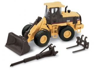 Norscot Cat 924G Versalink Wheel Loader with work tools 150 scale Toys & Games