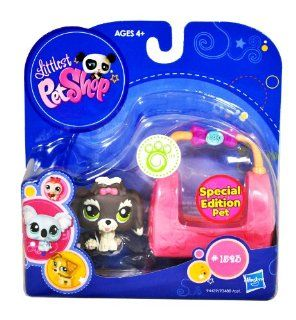 "Hasbro Year 2009 Littlest Pet Shop Portable Pets ""Special Edition Pet"" Series Bobble Head Pet Figure Set #1523   Grey White Lhasa Apso Puppy Dog with Cozy Carrier Bag (94439) Toys & Games"