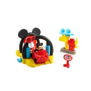 Fisher Price Disney Mickey Mouse Soap n Suds Car Wash Toys & Games