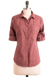 Sunday in Santa Fe Top in Cranberry  Mod Retro Vintage Short Sleeve Shirts